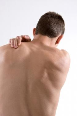 man with shoulder pain in Pompton Lakes, NJ